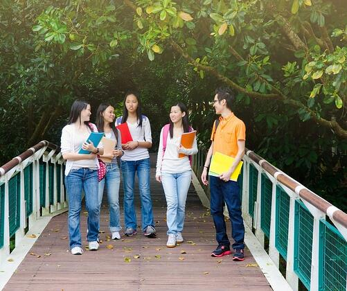 Social Media Do's and Don'ts for College Applicants